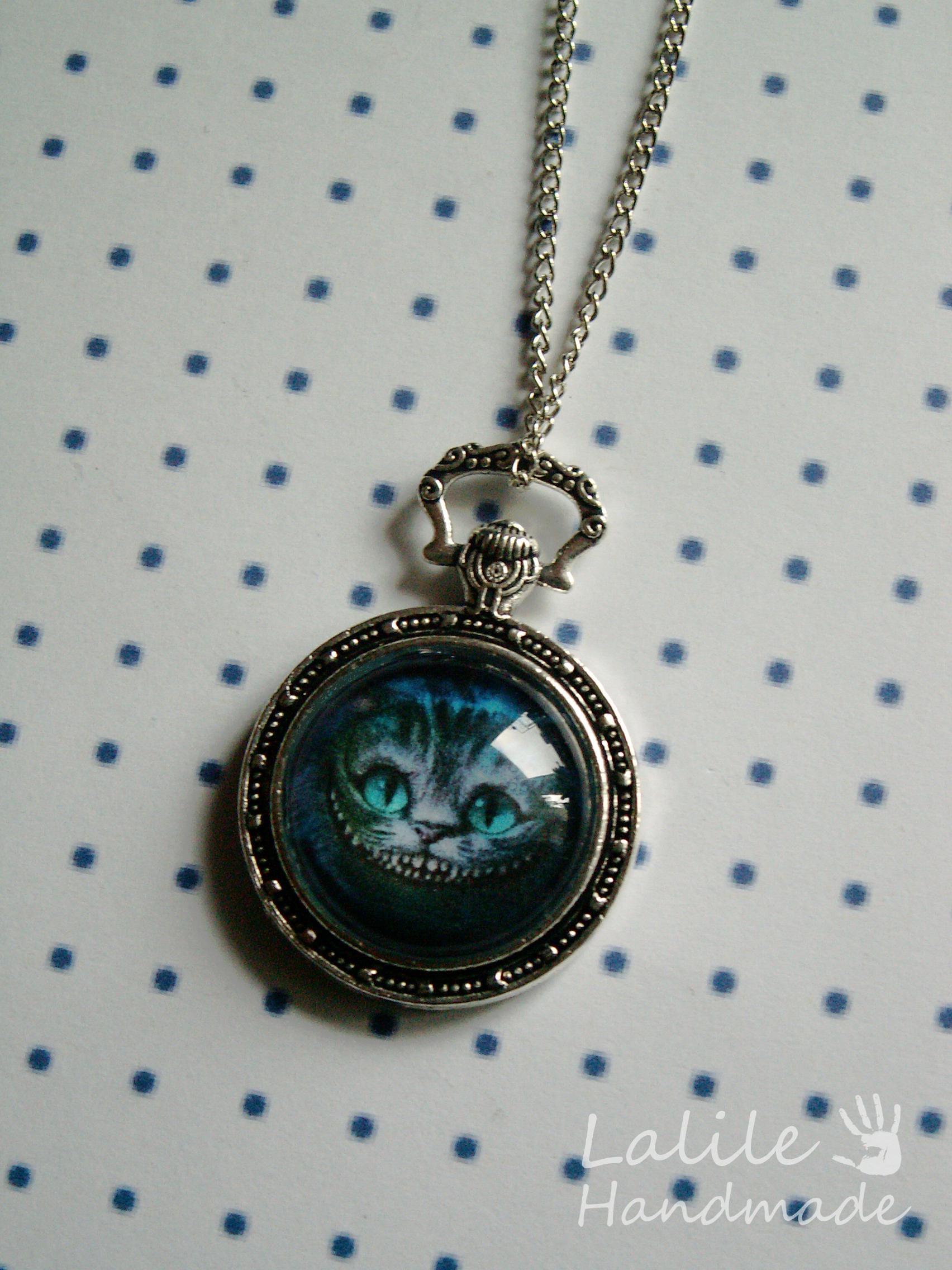 Medalion Kot Z Cheshire I Biały Królik Lalile Handmade